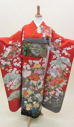 成人式 正絹振袖フルセット「赤地に豪華な古典柄 振袖」