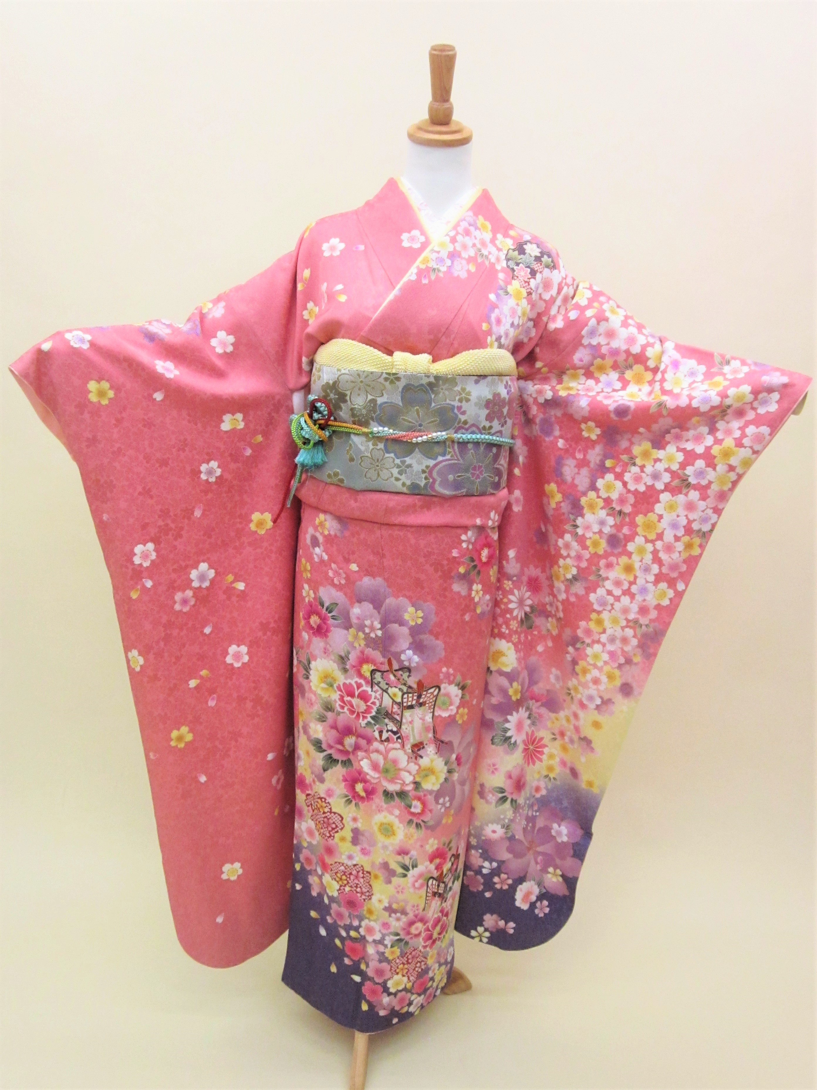 成人式 正絹振袖フルセット「ピンク地に雅な古典柄 振袖」