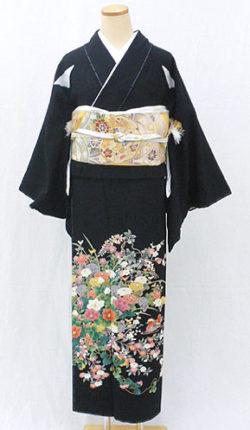 正絹黒留袖フルセット「四季草花におしどり 黒留袖」