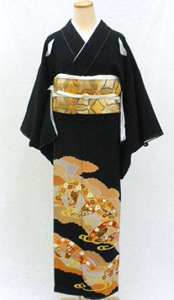 正絹黒留袖フルセット「雲取りに源氏車 黒留袖」