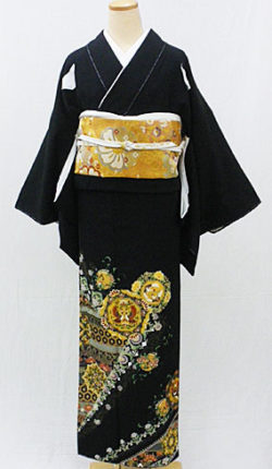 正絹黒留袖フルセット「八角鏡に正倉院文様 黒留袖」